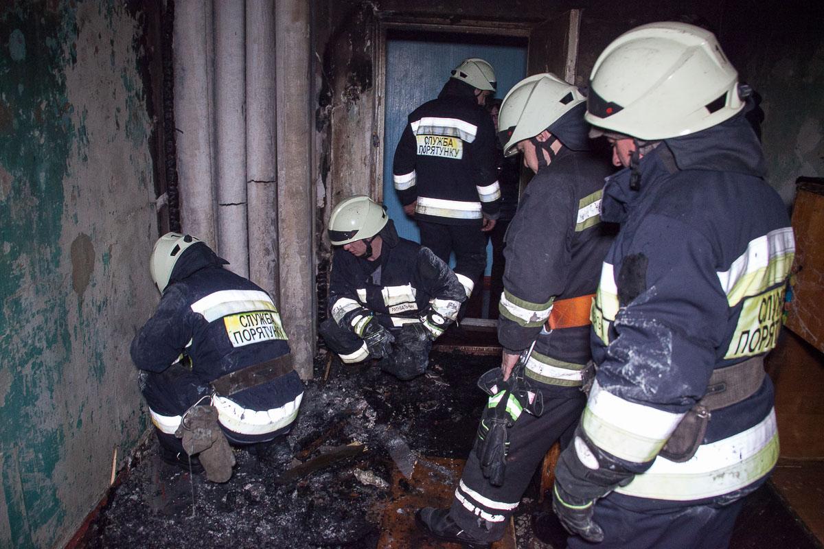 Ликвидировать очаг возгорания и полностью потушить пожар спасателям удалось достаточно быстро
