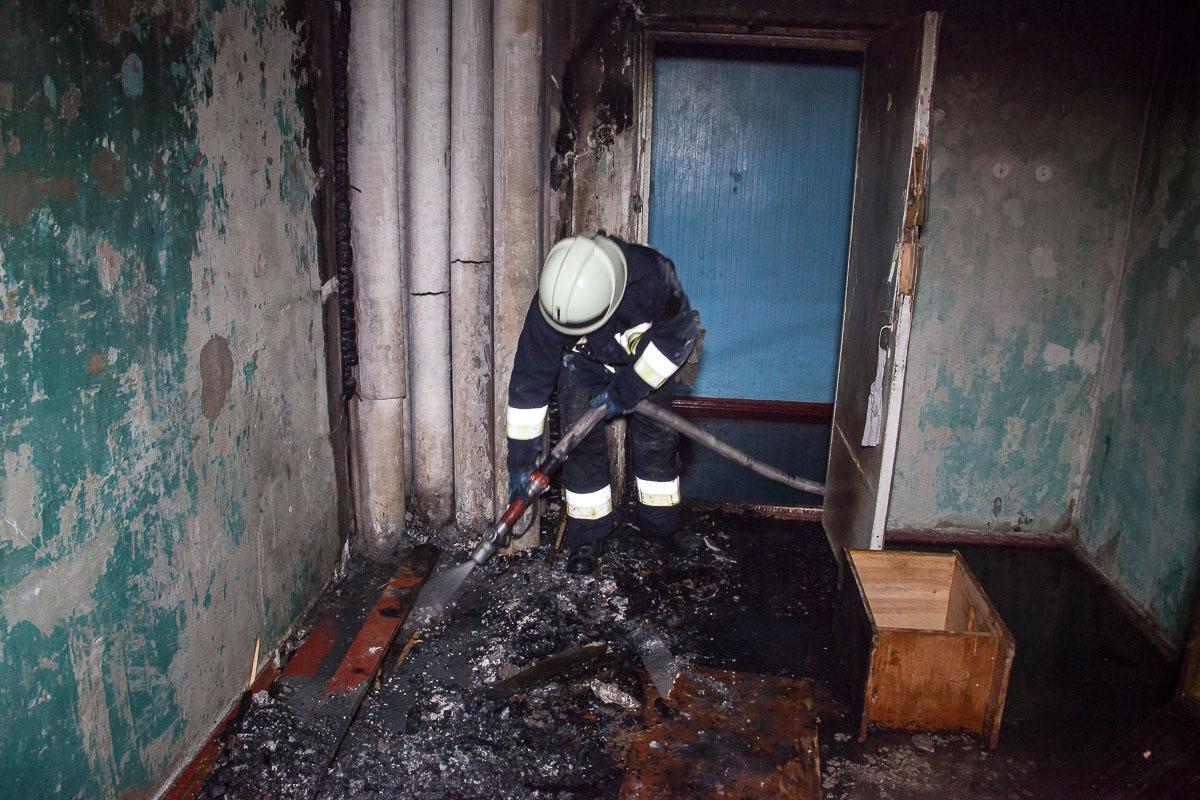 О причинах возгорания спасатели пока не говорят