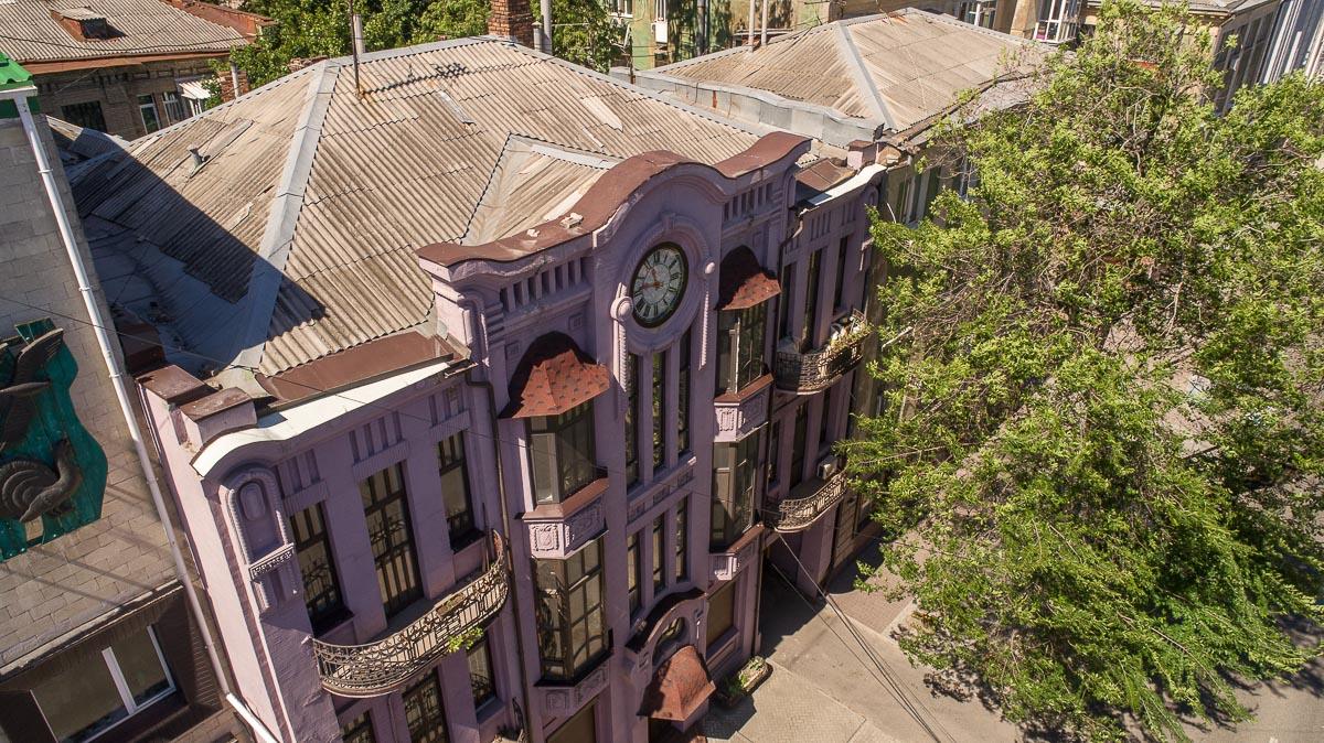 Трехэтажное здание на Староказацкой – шедевр модерна