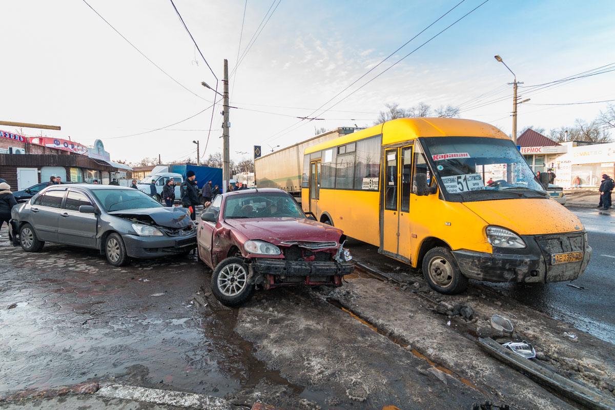 Audi, двигаясь в сторону Березинки протаранил автомобиль Daewoo