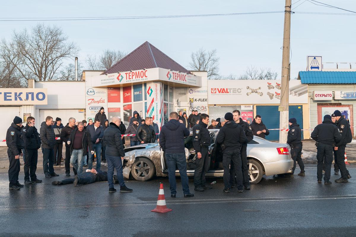 Двое жуликов были задержаны сотрудниками управления уголовного розыска на месте аварии