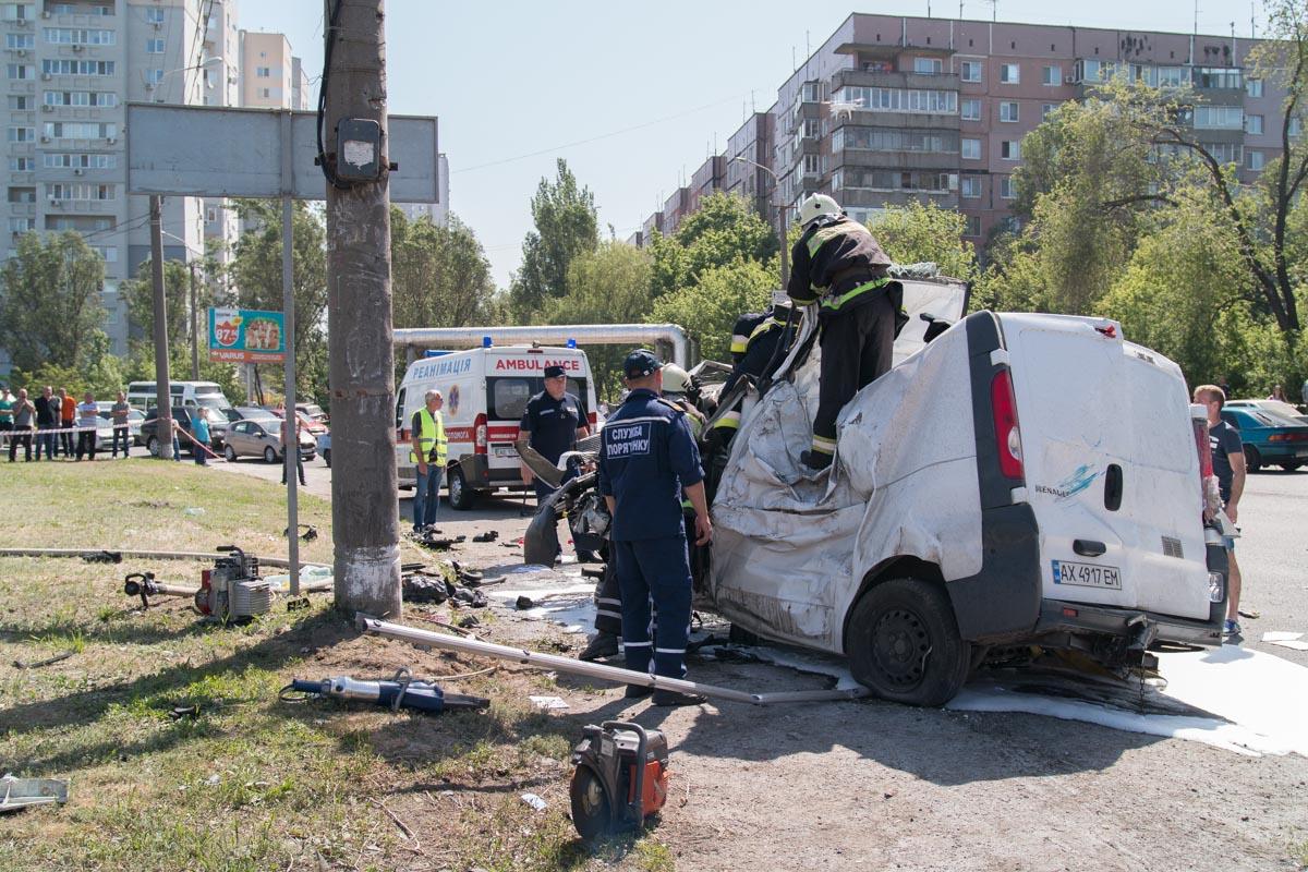 DAF протаранил двигающийся навстречу Renault